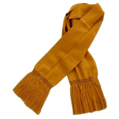 Fine Scarf of  Vicu�a with braid in the end.